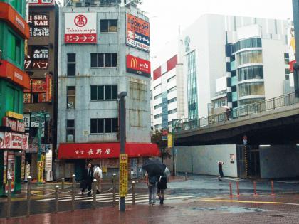 新宿南口店03